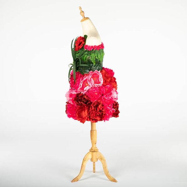 DE031 mannequin fleuri rouge location cote