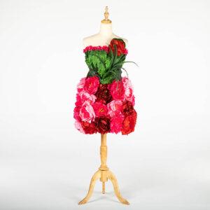 DE031 mannequin fleuri rouge location large